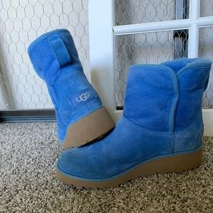 Blue UGGS for girls